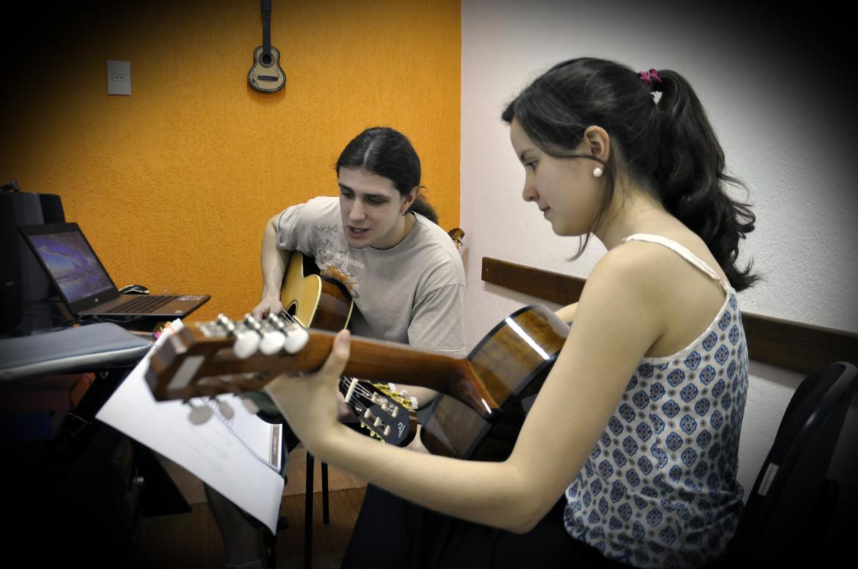 curso de violão e estrutura
