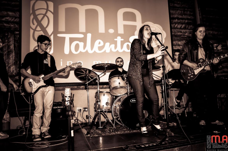Primeira noite do Encontros Musicais da M.A Talentos, realizado na Pizzaria Vero Verde, em Santo André, no dia 10/07/2016.